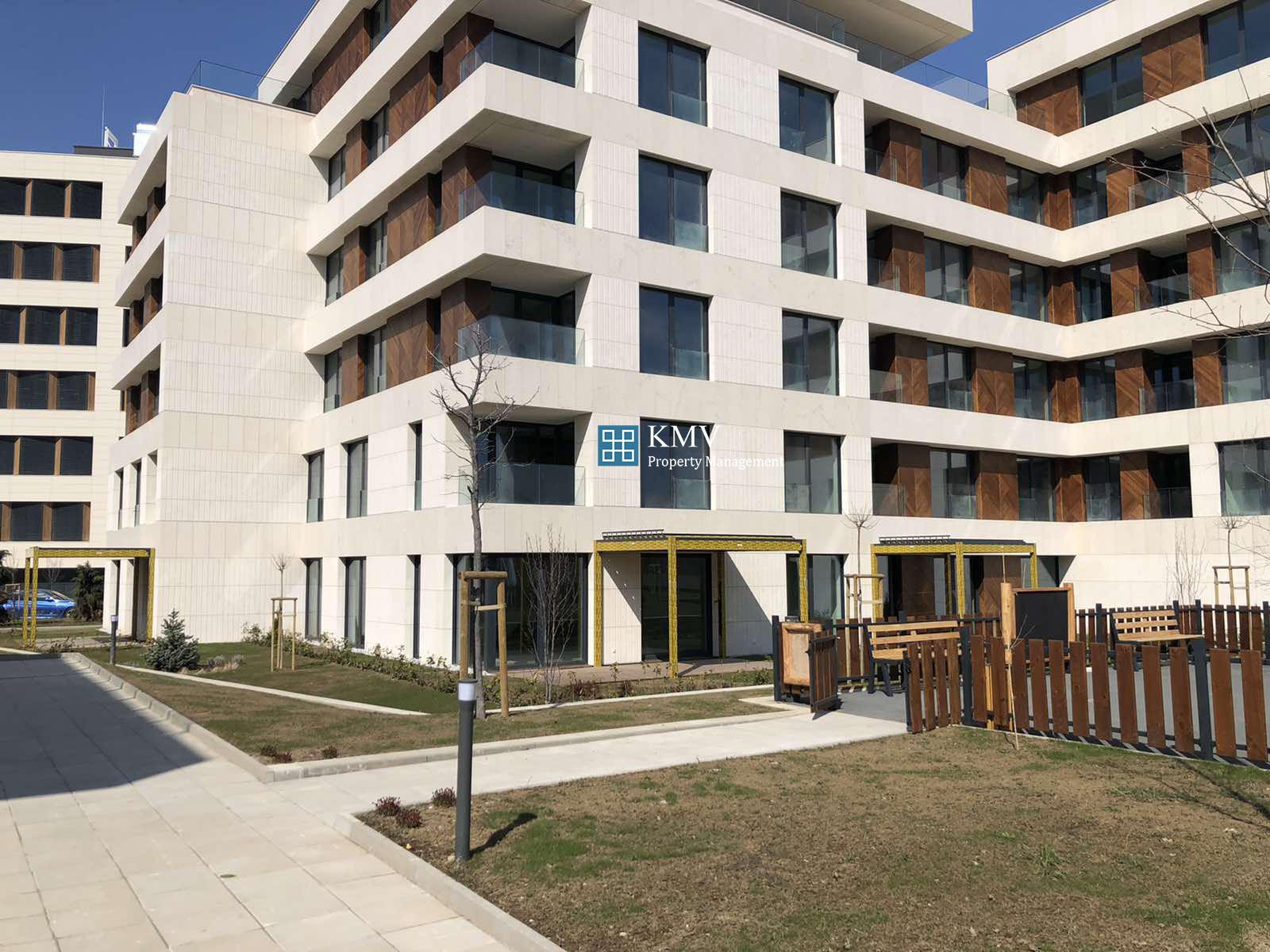 Тристаен Апартамент в к-с GORA