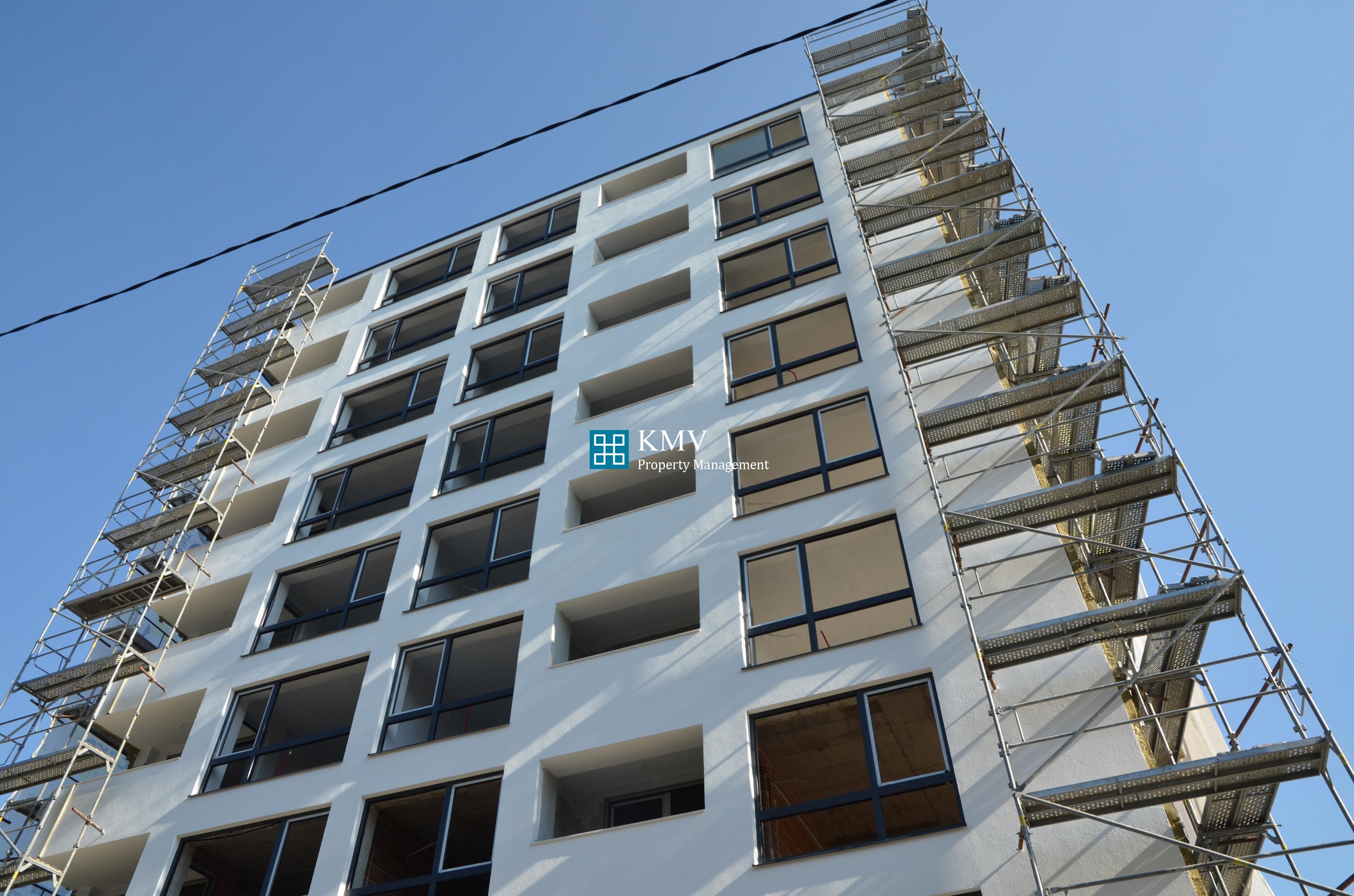 "Тристаен апартамент в жилищна сграда ""Liberta"""