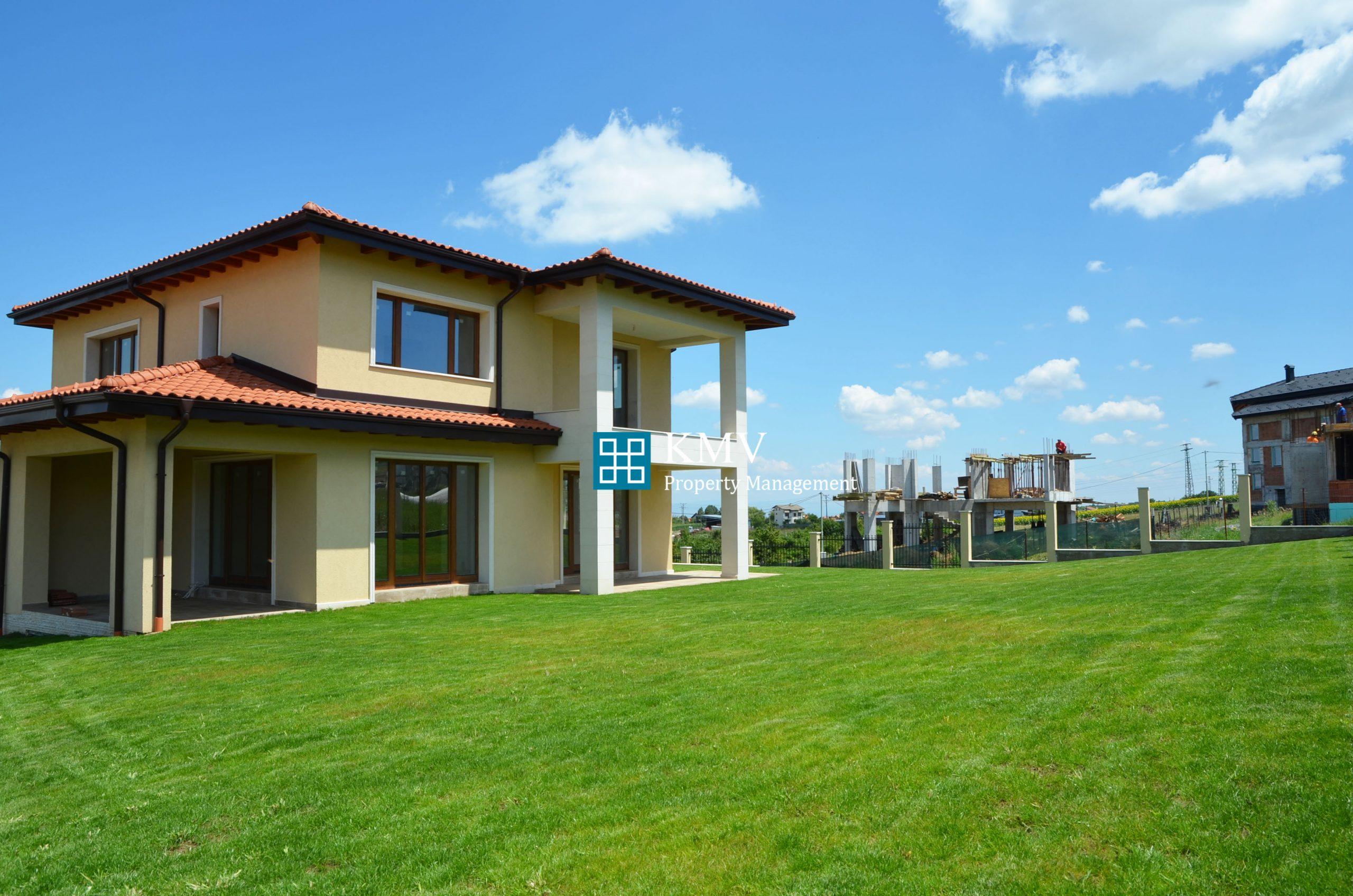 Еднофамилна къща за продажба в гр.Банкя
