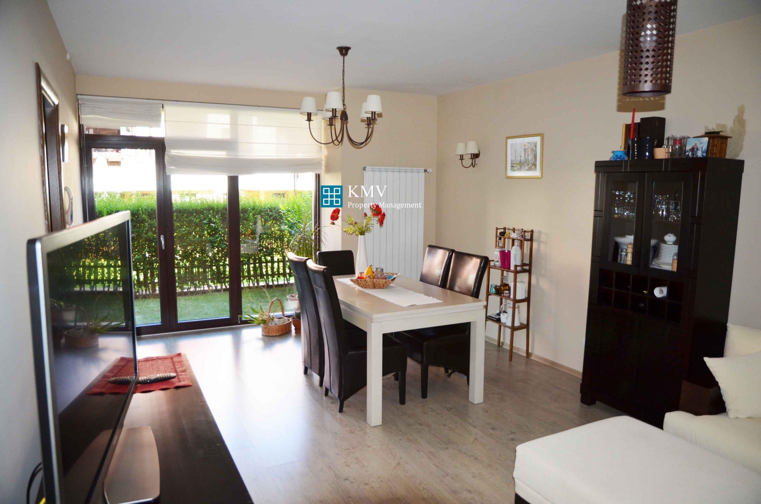 Луксозно обзаведен тристаен апартамент с двор   в  к-с 'Бяла Черква'